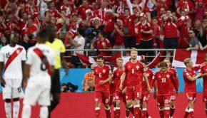 ペルー対デンマーク