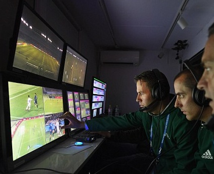 ワールドカップビデオ判定の導入