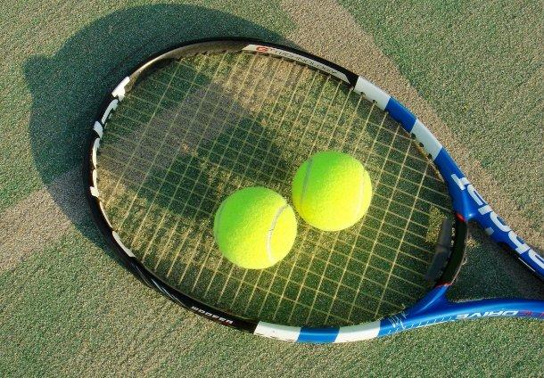 テニスの魅力を紹介